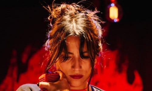 Ana Tijoux - Roja y Negro